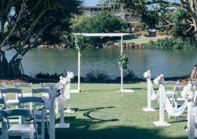 Novotel-twin-waters-resort-naked-ceremony