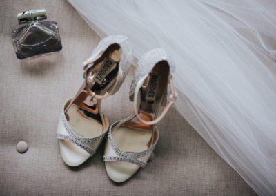 Romantic-Garden-Wedding_brides-shoes