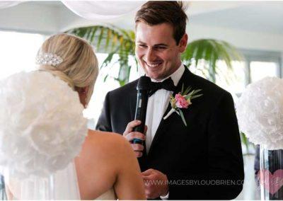 beach-wedding-ceremony_groom-and-bride