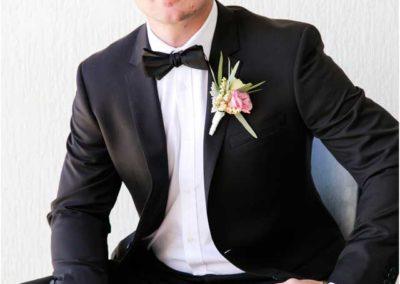 beach-wedding_groom