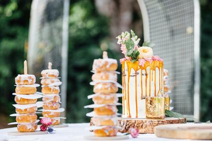 hinterland-wedding-reception_cake_donut-wall