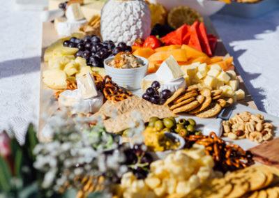 hinterland-wedding_feasting-table