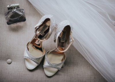 Romantic-Garden-Wedding_brides-shoes