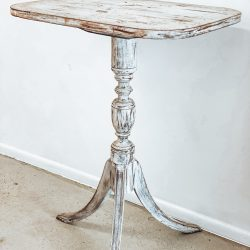 White Petal Table