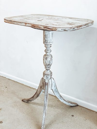 White Petal Table